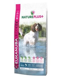 EUKANUBA Nature Plus+ Adult Medium Breed - bogat în somon proaspăt înghețat 2,3 kg